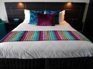 Duże łóżko